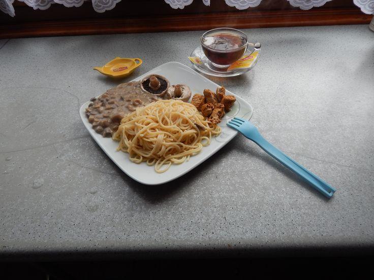 obiadek przy filizance lipton wraz z herbatka lipton