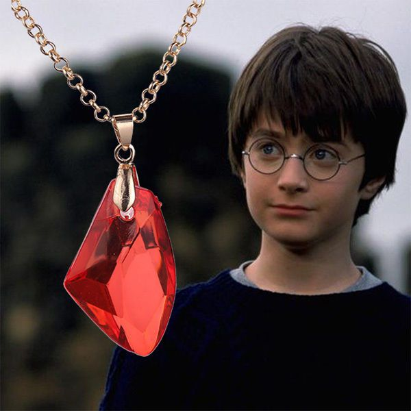 HARRY POTTER Pendentif Pierre Rouge Philosophale avec son collier Fashion