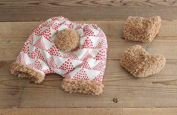 赤ちゃんのオムツ姿をとっても可愛く見せてくれる…かぼちゃパンツと、ボアブーツ