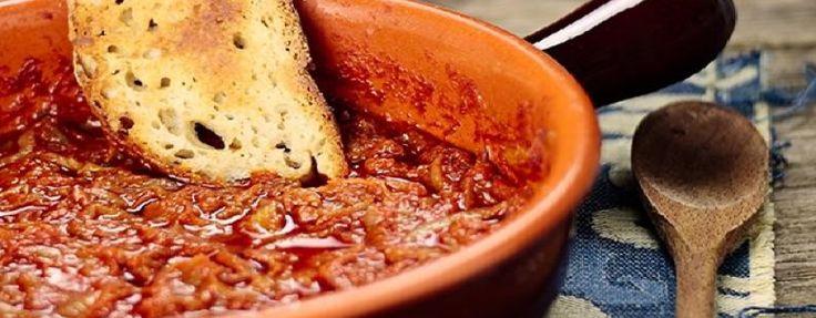 """Friggione:un buon brodo comporta un """"sottoprodotto"""" più o meno apprezzato, ma sempre alimento povero, il """"lesso"""" (da non confondere con il prelibato """"bollito"""") che veniva utilizzato per il """"friggione"""". Olindo Guerrini (Lorenzo Stecchetti), nel suo celebre libro """"L'arte di utilizzare gli avanzi della mensa"""", dà la seguente ricetta del friggione alla romagnola."""