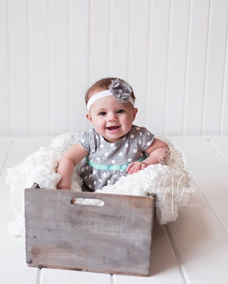 The 25 best six month pictures ideas on pinterest six for 4 month baby photo ideas