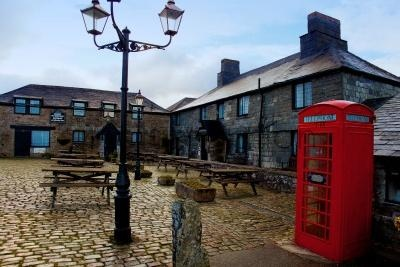Jamaica Inn, a coaching house in 1750 as a staging post for changing horses during stagecoach runs over the Bodmin Moor, Cornwall. Made famous as the setting for Daphne du Maurier's novel of the same name