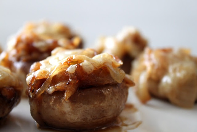 A Bountiful Kitchen: French Onion Soup Stuffed Mushrooms- Pioneer Woman