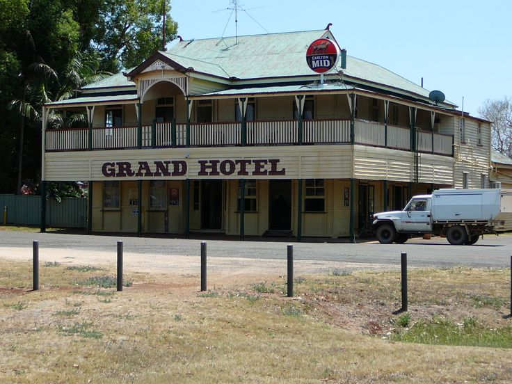 Grand Hotel at Wooroolin opened 1916