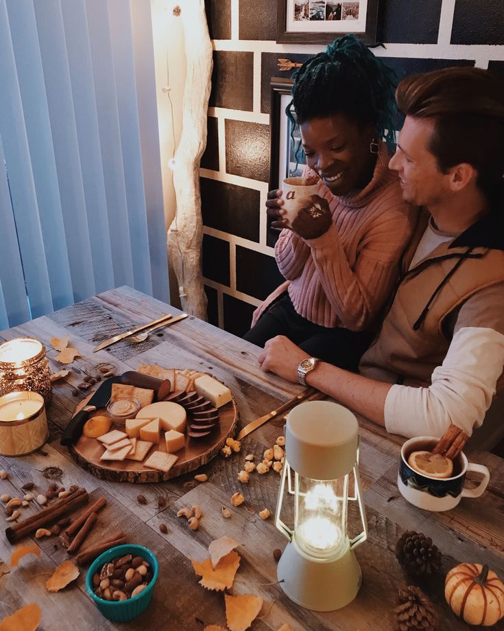 cozy date nights in. ?? #swirl #bwwm #interracialdating #interracialrelationships #wmbw #whiteguysdatingblackgirls #interracialcouples