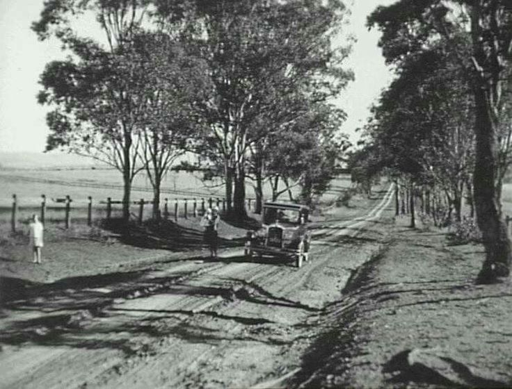 Cobbity Rd,Cobbity,in the southwestern suburbs of Sydney in 1928.