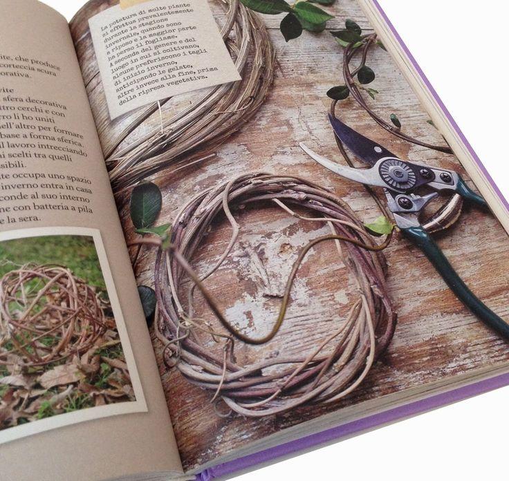 l'ortodimichelle: ed è...Buon Gardening! Tra rovi addormentati, caprioli golosi, bulbose da fiore, piante frugali, erbe aromatiche, agrumi e carotine selvatiche, con chiarezza e semplicità, così come da anni fa sulle pagine del suo blog Aboutgarden, tanti consigli su come coltivare, potare, innaffiare le singole piante, come preparare coroncine  e ghirlande di fiori e foglie, cuori profumati, bustine porta semi , composizioni di bacche, etichette, falsi kokedama, tisane energizzanti…