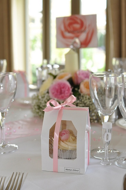 #pink wedding tables ... Beautiful individually boxed wedding favours - pink theme