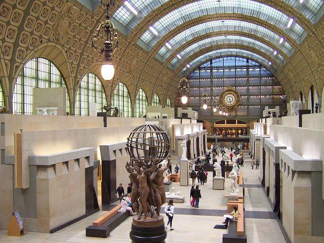 Di qua e di la: GAE AULENTI - Architetto italiano (Italian architect)Museo d'Orsay con il tema floreale delle lunette della volta (1980-86), tra le principali opere della corrente Neoliberty