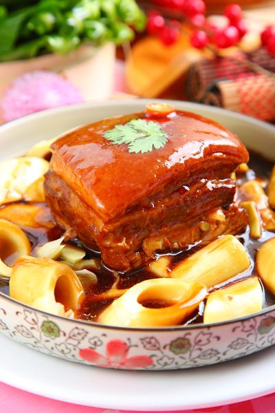 braised pork bellly with bamboo shoot | Taiwanese Food