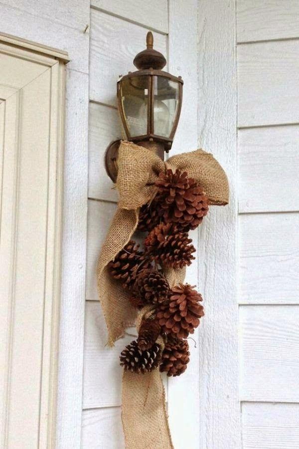 HOME & GARDEN: 50 idées pour utiliser des pommes de pins en déco de Noël                                                                                                                                                                                 Plus