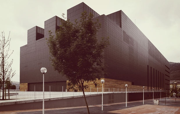 Fronton Bizkaia Frontoia  Casa del Deporte / Kirol Etxea / Sport's House