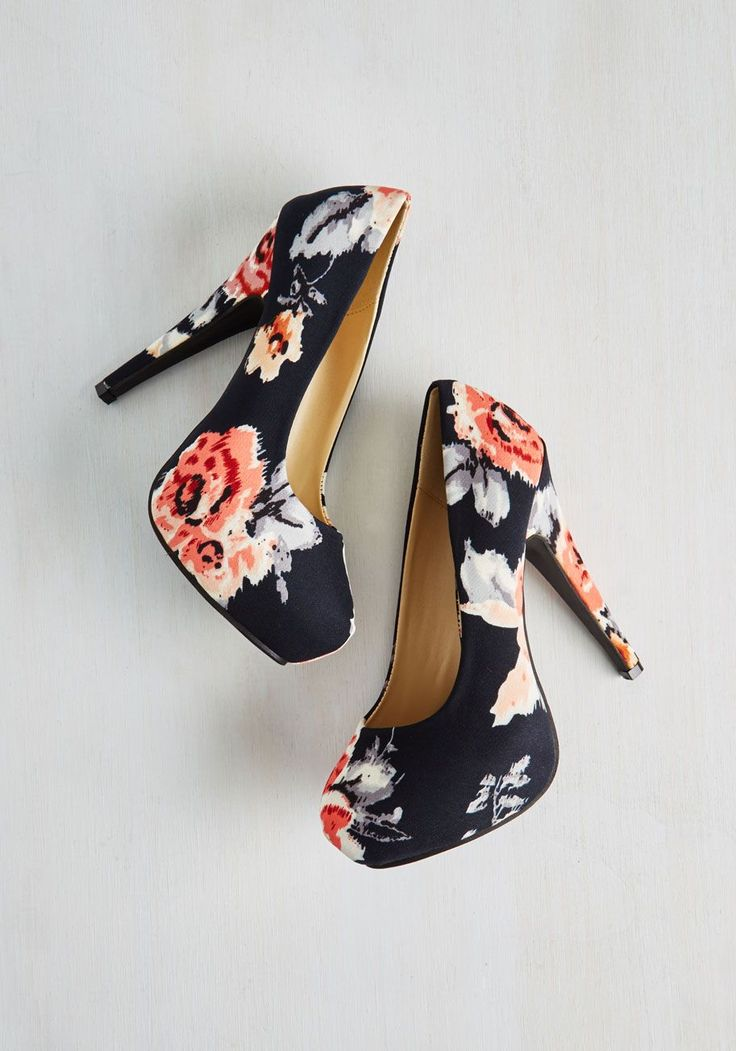Ain't Seen Stunning Yet Heel. Just when you thought your signature style couldnt get any bolder, you added these black floral pumps to your top hits!  #modcloth