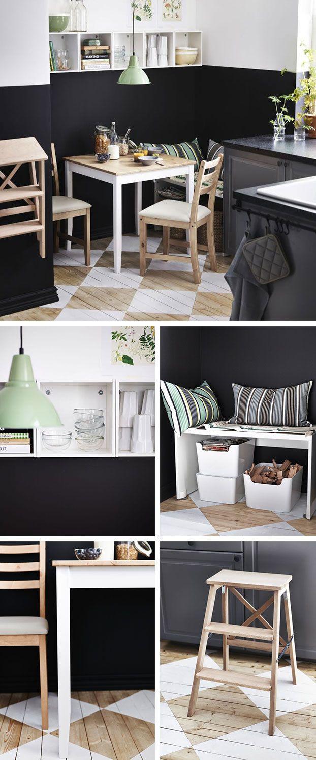 """W najnowszej ofercie IKEA dominują świeże zielenie: poduszki RAGNBORG ilampa FOTO. Są efektowne wpołączeniu zbielą, barwami ziemi inowoczesną czernią. Zwróć uwagę namalowaną, drewnianą podłogę. Totypowa dekoracja dla skandynawskich wnętrz. Spotykana nie tylko wwiejskich domach. Desenie zwykle malowane są odszablonu. Współczesne elementy – pojemniki nasurowce wtórne izabawki PLUGGIS podławką (STUVA) – nie rażą. Tonie skansen, atętniący życiem dom. Swoją drogą termin """"skansen"""" ..."""