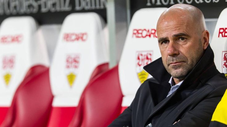 Dortmunds Krisen-Trainer Peter Bosz beim 1:2 in Stuttgart. In bisher zwölf Bundesligaspielen holte der Holländer 20 Punkte, im Schnitt 1,67 Zähler