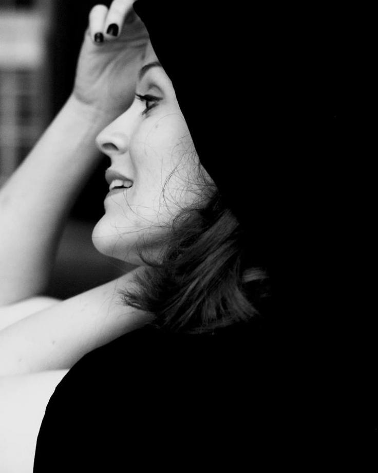 Sarah Gabriel, Soprano in velvet cloak