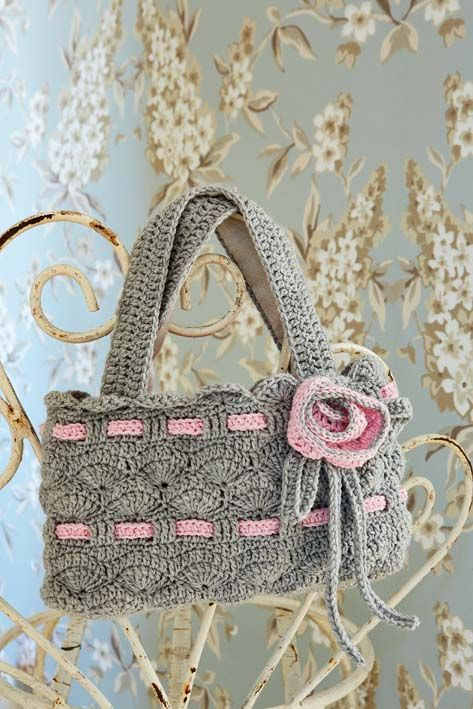 Crocheted handbag FREE pattern, just divine, thanks so xox