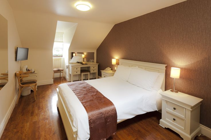 A double room at the Muskerry Arms Bed & Breakfast with en-suite shower room. Minutes from Cork City this is a convenient alternative to Cork accommodation.