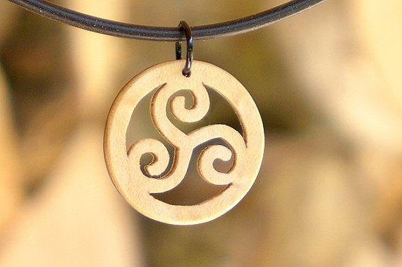 Symbole celtique Triskele la main érable Celtic par Intarsia108