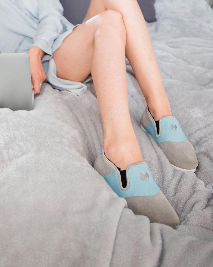 Enfin en week-end ? Reposez également vos pieds avec Nénufar ☺️  #nenufar #indoorshoes #unisex #design #confort #paris #weekend