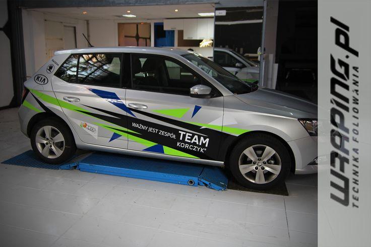 Dla Korczyk Škoda i KIA  przygotowaliśmy stylizację samochodu #skoda #Fabia. Praca obejmowała przygotowanie wizualizacji graficznej, przygotowanie folii wraz z jej cięciem ploterem z kamerą oraz aplikację na samochodzie.  Na codzień samochód użytkowany przez siatkarza BBTS Bielsko-Biała   www.wraping.pl / Zainteresowanych oklejaniem prosimy o kontakt pod numerem tel.: 693 152 855 lub zapraszamy na naszą halę już dzisiaj. - ul .Powstańców Śląskich 6