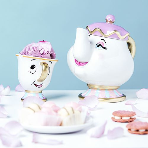 Brace yourselves Disney lovers! If you thought the Chip mug was the ultimate must-have, wait until you see the Mrs Potts tea pot!! These Beauty and the Beast treats will be coming to Primark soon!