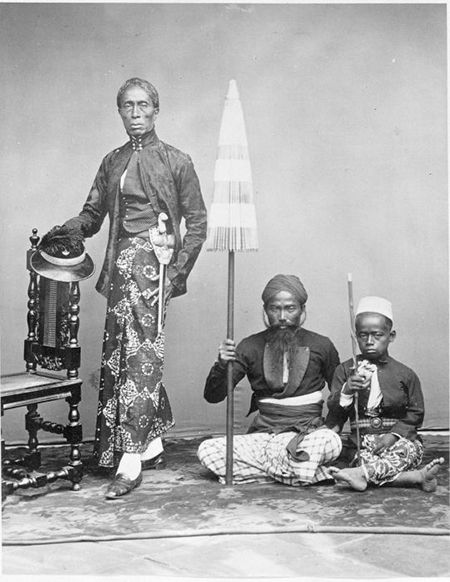A Javanese prince with two servants (c. 1865-1870) Tropenmuseum