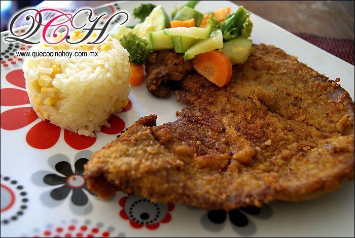 Milanesa de Res empanizada con verduras al vapor y arroz / Comida casera, fácil de preparar.
