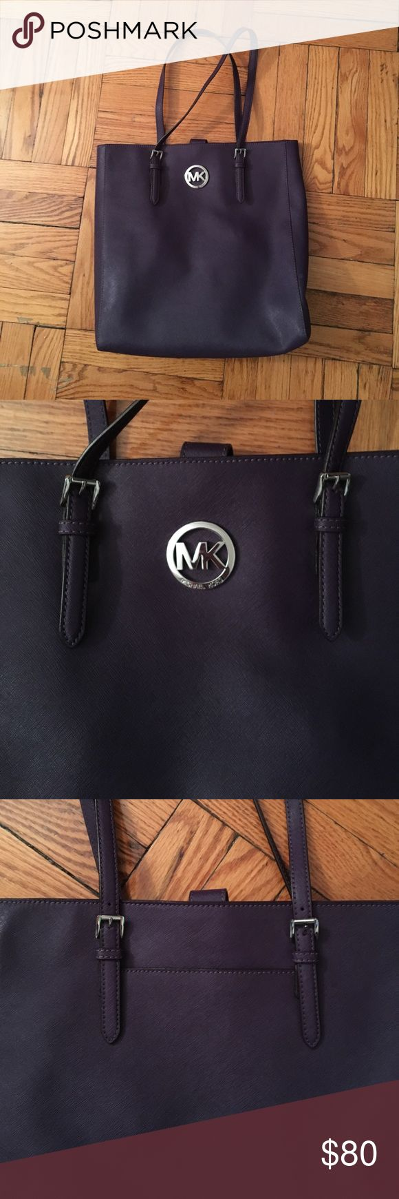 Michael Kors bag MK purple tote bag with adjustable straps. Inside and outside pockets Michael Kors Bags Totes