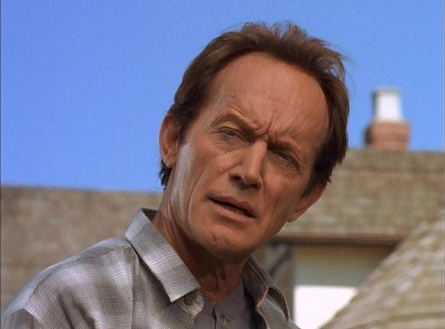 lance henriksen height
