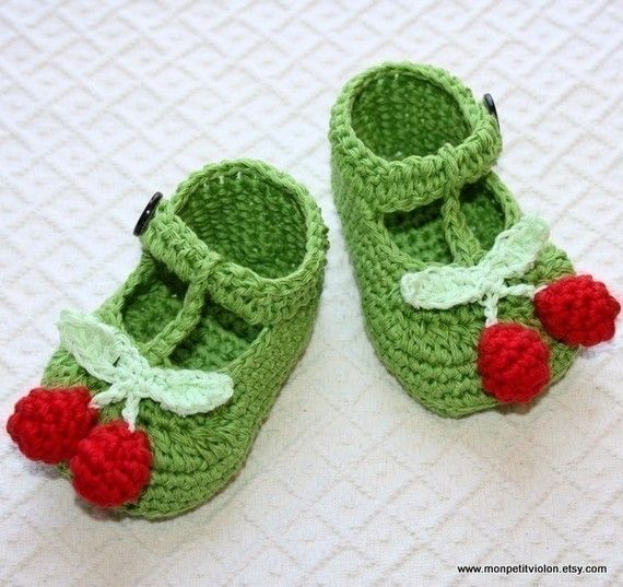 Instant download - SALE - Crochet PATTERN (pdf file) - T-strap Cherry Baby Booties