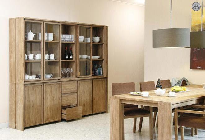 Tavolo e vetrina in teak . #itesoricoloniali #arredamenti #idistudio #reggioemilia #tavoli #vetrine #teak #design #legno