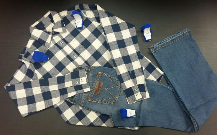 Un ensemble parfait pour vos montes avec une touche de chic ! Retrouvez ce jean et ces bijoux sur notre site web : www.chambriere.ca