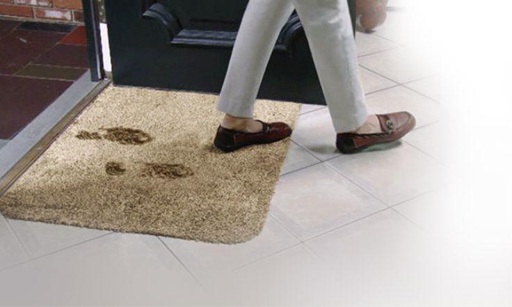 Χαλάκι Εισόδου Clean Step Mat που Απορροφά Άμεσα, Λάσπη, Νερό & Σκόνη, Μόνο με 14,90€