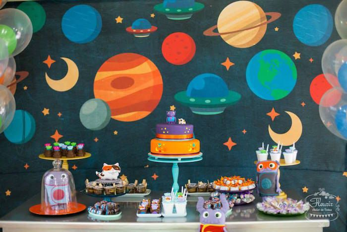 Home Inspired Alien Birthday Party via Kara's Party Ideas | The Place For All Things Party! KarasPartyIdeas.com (4)