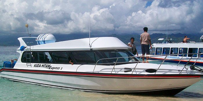 Kuda Hitam Express fast boat from Bali to Gili Meno. Departs from Amed area daily.