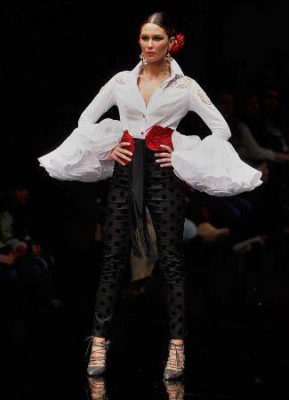 Repasamos una a una las tendencias que han propuesto los diseñadores de moda flamenca en Simof 2016. Lunares, flores, tul, mantones de Manila, crop tops...