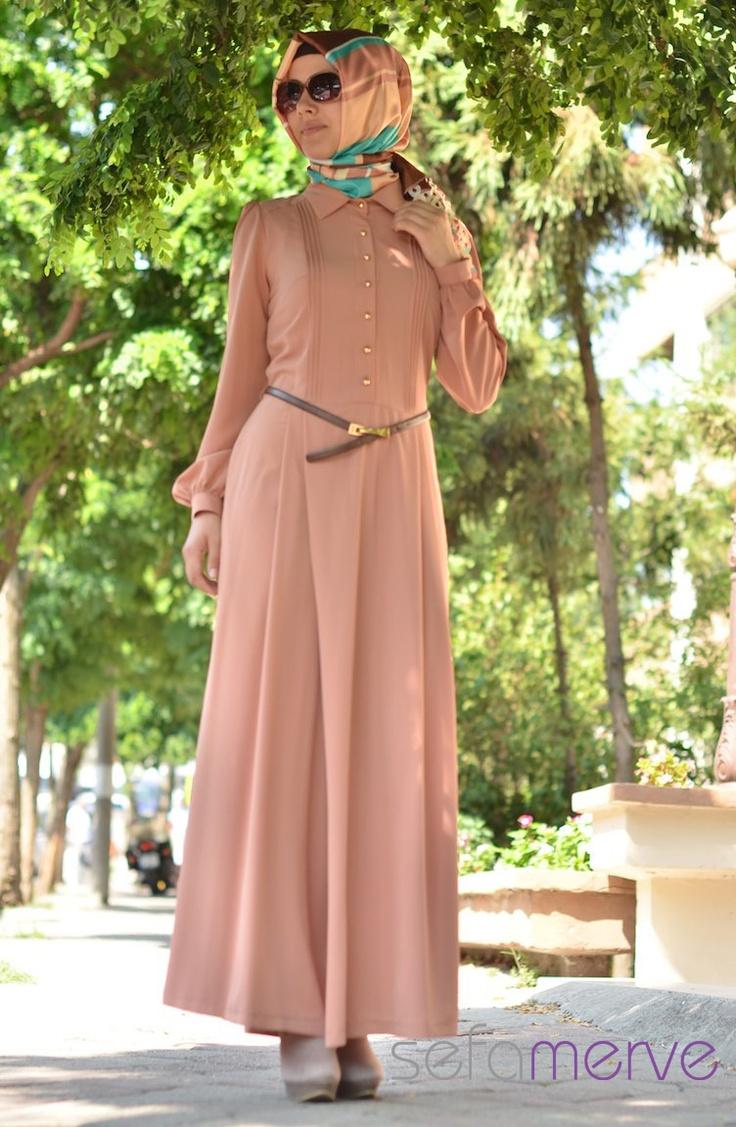Şükran Abiye Tulum Elbise 4062 05 Ince Krep Kumastan Imal Edilmistir ve cok hafiftir.Düğün ve Bayramlarda kullanabileceğiniz şık bir o kadarda rahat elbiseler.