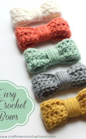 (via Easy Crochet Bow Tutorialpattern)viaFlamingo Toes.