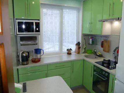 дизайн маленькой кухни фото 6 кв.м с холодильником: 12 тыс изображений найдено в Яндекс.Картинках