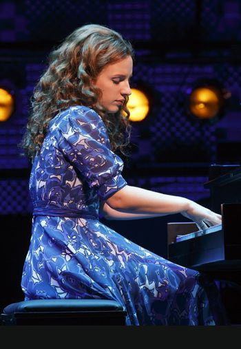 Jessie Mueller as Carole King in Beautiful http://newyorktheater.me/2014/01/12/beautiful-the-carole-king-musical-review-broadway-by-the-numbers/