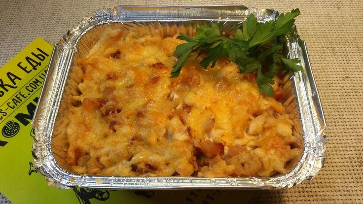 Картофель с грибами и курицей,запеченый под сыром.