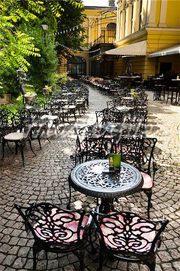 [what to see in Sofia] National Art Gallery Outdoor cafè