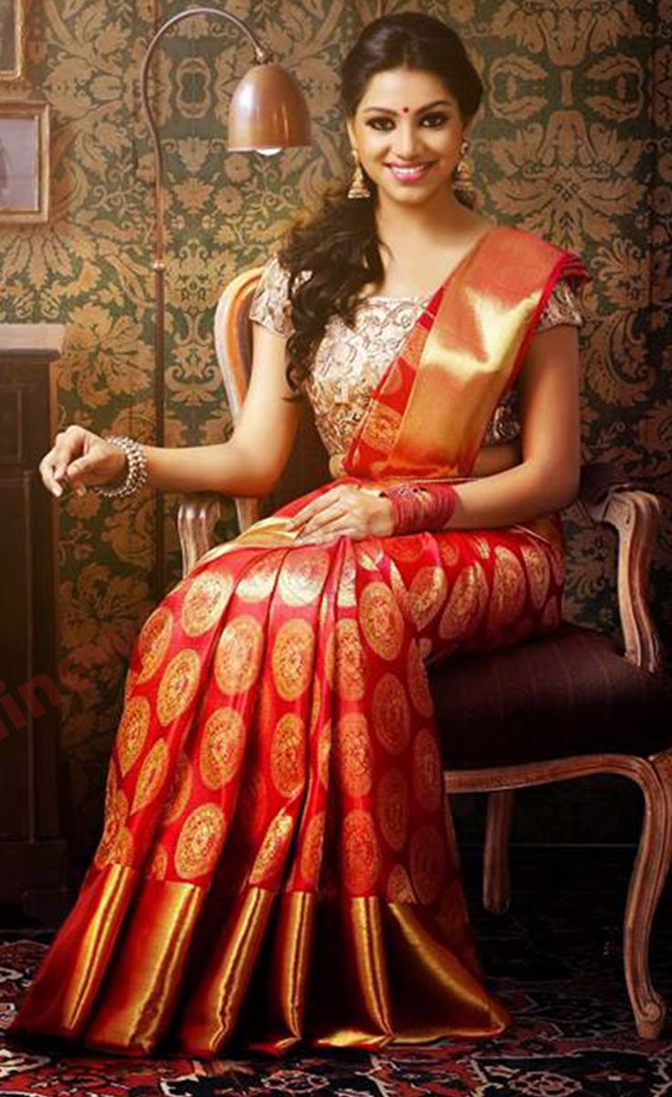 Saree is the best attire that can enhance the look of a woman and it is recommended as the best attire in Indian tradition. It is available on rent these days on Rent2cash.