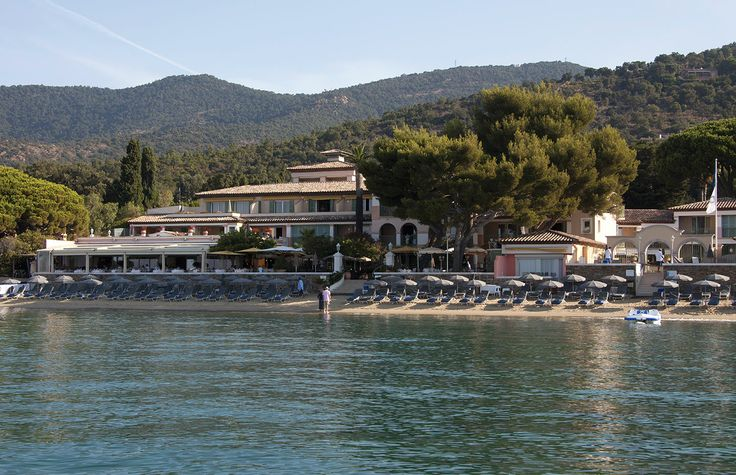 HOTEL LE CLUB DE CAVALIERE & SPA ***** RELAIS & CHATEAUX  30 AVENUE DU CAP NEGRE 83980 LE LAVANDOU  Tel.:     +33(0)4 98 04 34 34