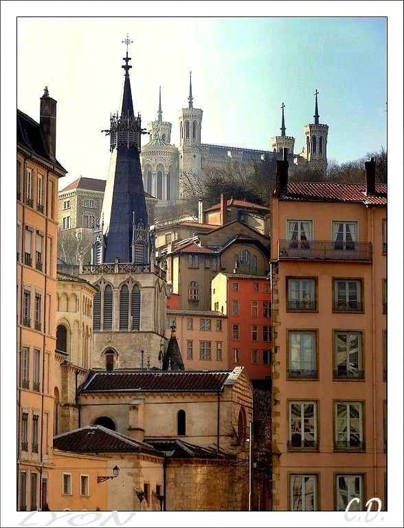 Tendance Joaillerie 2017   Old Lyon a photo from Rhone Alpes South | TrekEarth