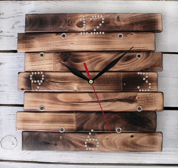 Modern Wall Clock Dimensions: 10 inches in Diameter 24sm x 24sm Very elegant and clean design. White hands and sweeping second hand Made from wood. This clock is a beautiful addition to any room in the house such as the living room, game room, bath room, bed room, kids room. Single point