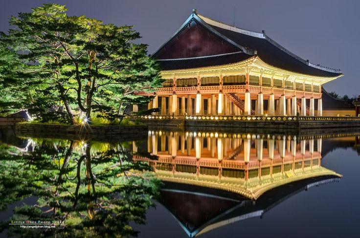 Night view of the beautiful Gyeongbokgung Palace Korea by Johan Han on 500px