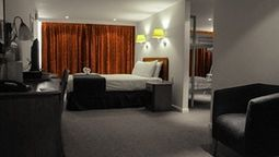 Airport Inn Gatwick $87 KRIS Quadruple Room  22 square feet  1 Double Bed and 1 Twin Bunk Bed (Extra beds available: Crib)  Room sleeps 4 guests (up to 3 children)