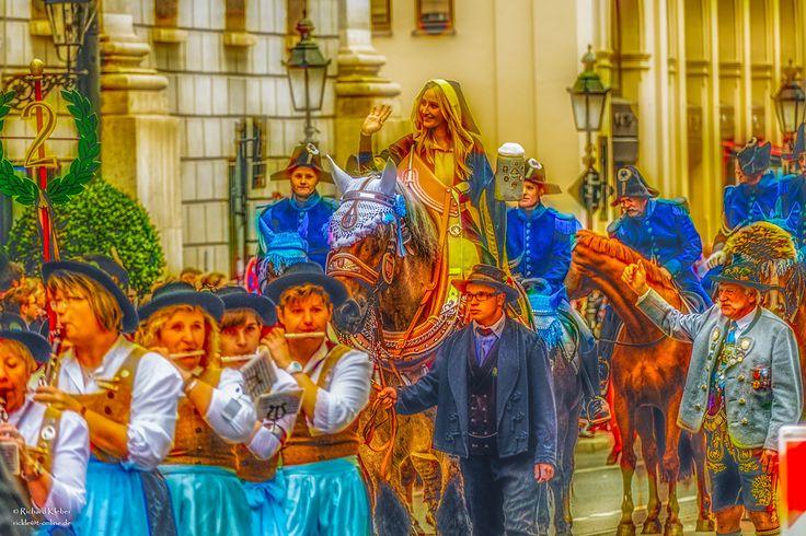 oktoberfest 2015 costume parade on Behance